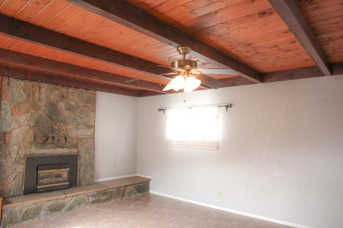 Family Room and Fireplace no Staging
