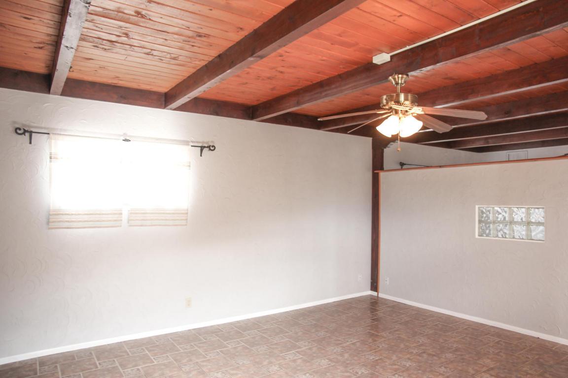 Family Room no Staging